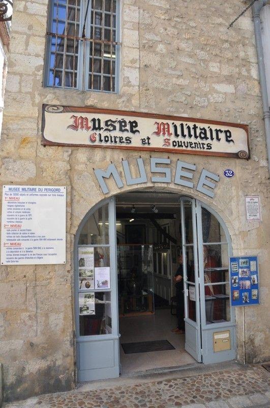 LE MUSEE MILITAIRE DE PERIGUEUX